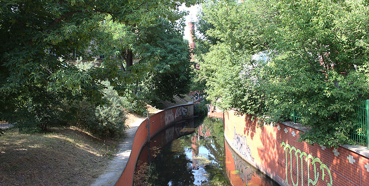 Die Panke entlang – ein Berliner Gewässer im Mauerbett